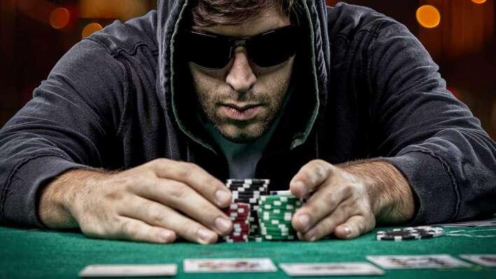 Poker Hero: Покер Будущего и Карточная стратегия