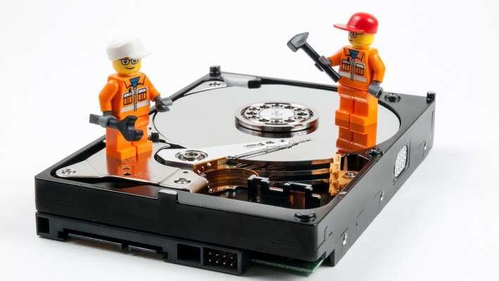Восстановление данных жесткого диска: провести самостоятельно или обратиться к профессионалам